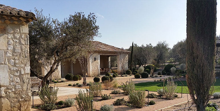 Jardin proven al eygali res alpilles architecte - Creation jardin mediterraneen saint paul ...