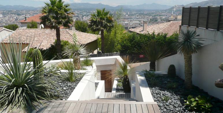 architecte paysagiste marseille jardin sur restanques eygalires architecte paysagiste thomas. Black Bedroom Furniture Sets. Home Design Ideas