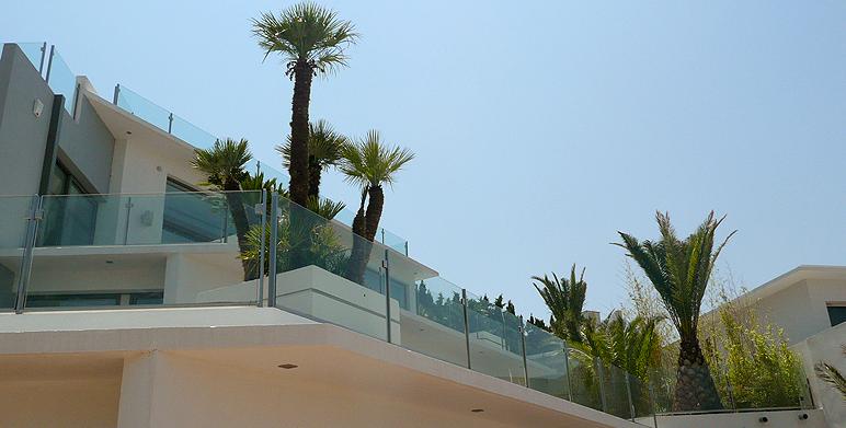 jardin contemporain avec terrasses roucas blanc marseille architecte paysagiste thomas. Black Bedroom Furniture Sets. Home Design Ideas