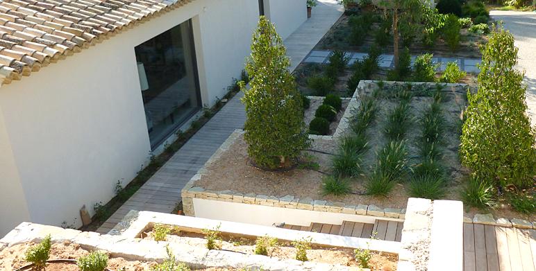 Jardin m diterran en moderne aix en provence architecte - Creation jardin mediterraneen saint paul ...