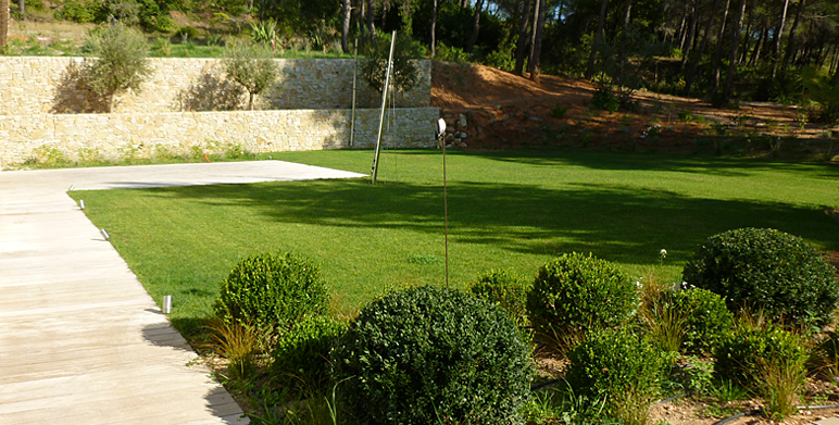 Jardin m diterran en moderne aix en provence architecte - Jardins mediterraneens amenagement ...